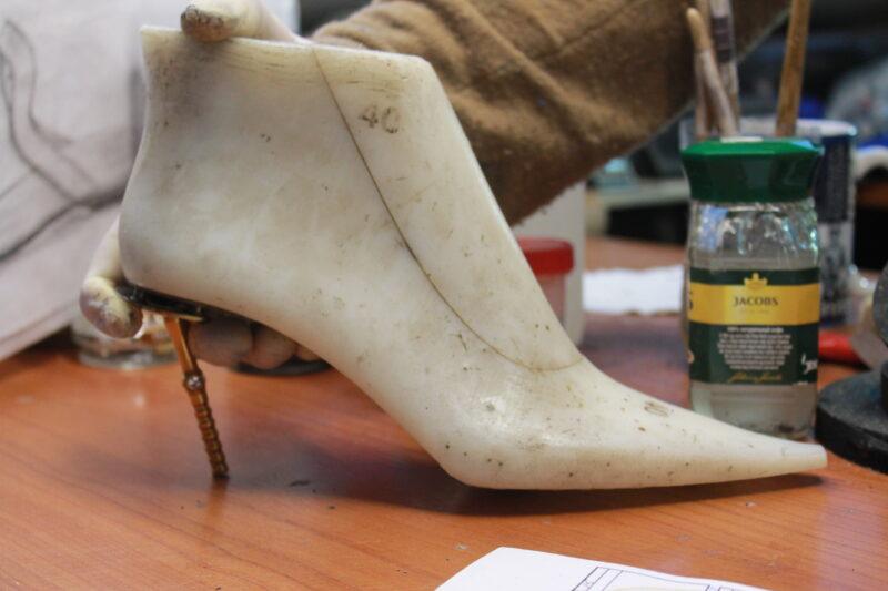 второй шаг создания обуви - дизайн